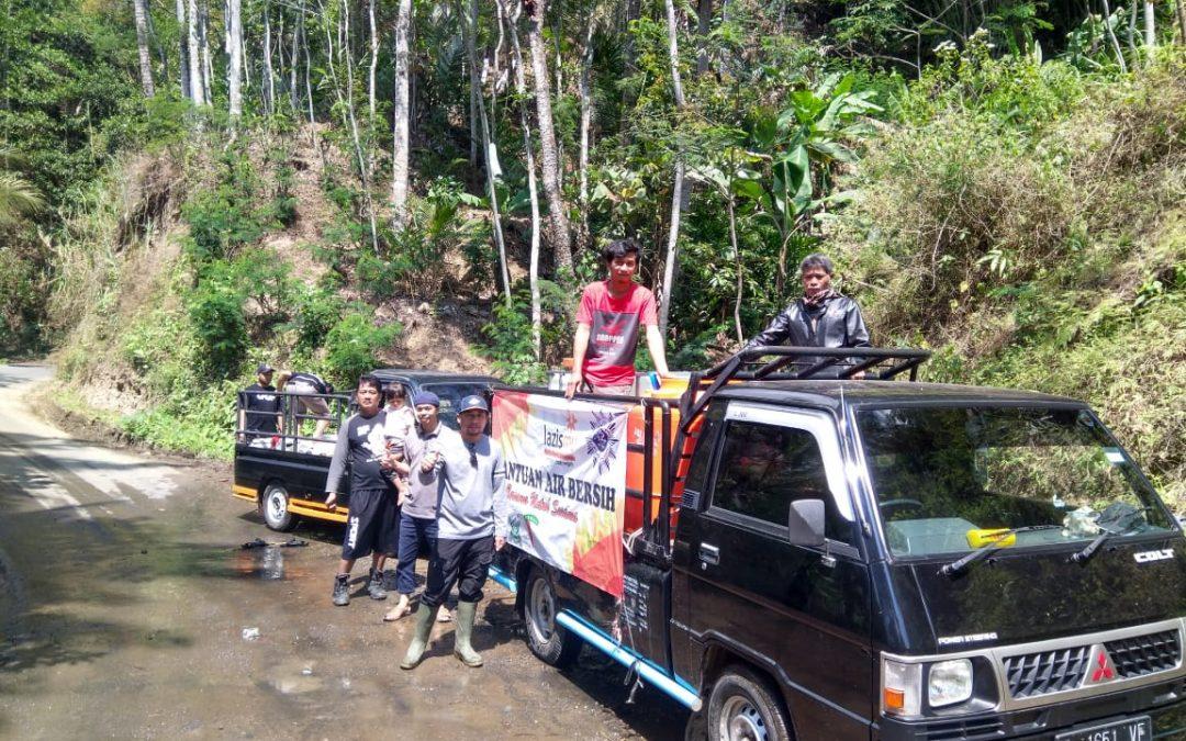 KOMUNITAS Sopir Pick Up Punggelan bantu distribusi Air Bersih ke Dusun Slimpet Desa Tlaga